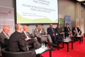 Podsumowaniem sesji inauguracyjnej był panel dyskusyjny, który poprowadził Piotr Talaga, redaktor naczelny wydawnictw firmy Abrys.